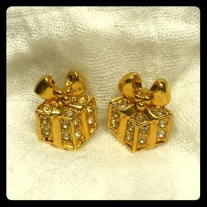 Avon present shaped earring studs